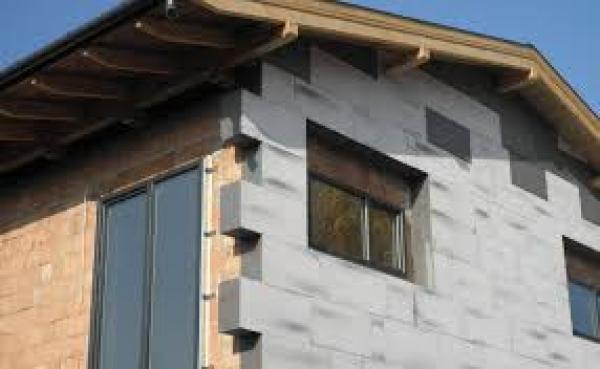 műanyag ablak szigetelt tégla házba