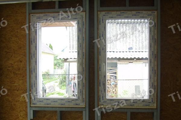 a műanyag ablak beépítése befejeződött
