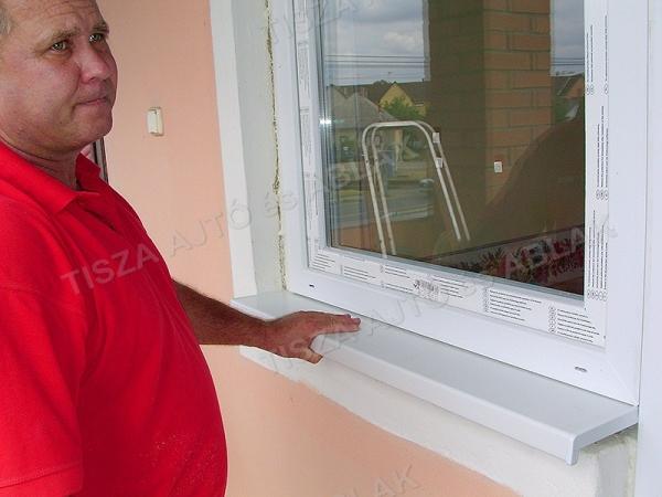 műanyag ablak debrecen , párkányát a műanyag ablakhoz pászítjuk.