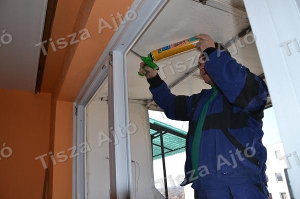 ablakcsere Debrecen a műanyag ablak pur habbal kitöltése