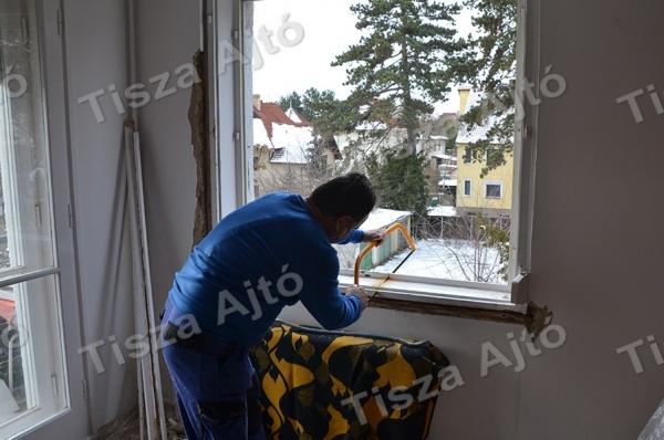 műanyag ablakcsere Debrecen a tok kibontása